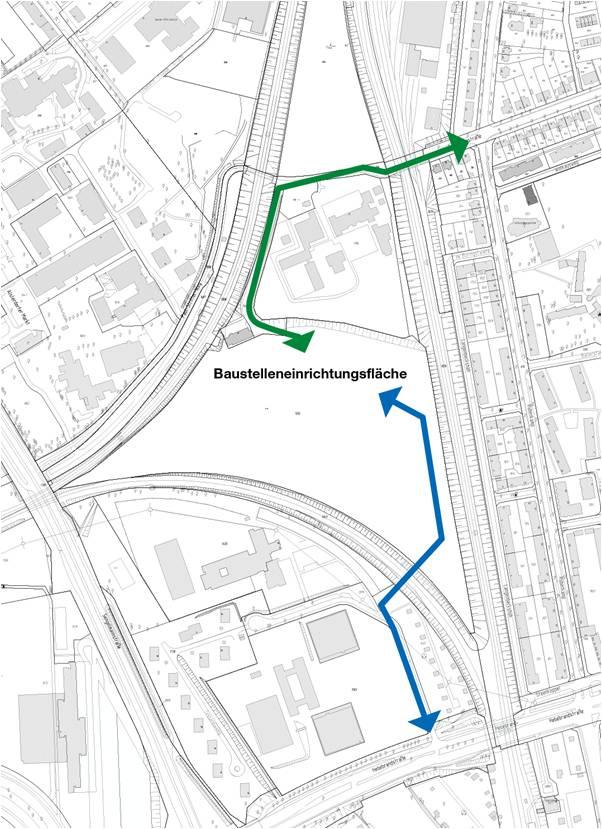 Bis September erfolgt die Zufahrt zur Baustelle über die Feuerbergstraße (grüner Pfeil), ab September über die neu gebaute Brücke, den Tessenowweg und die Hebebrandstraße (blauer Pfeil)