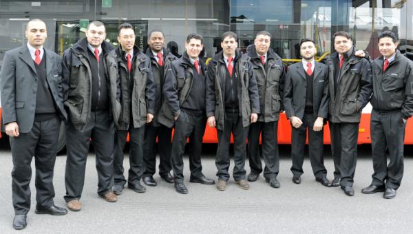 Titelbild Flüchtlinge als Busfahrer