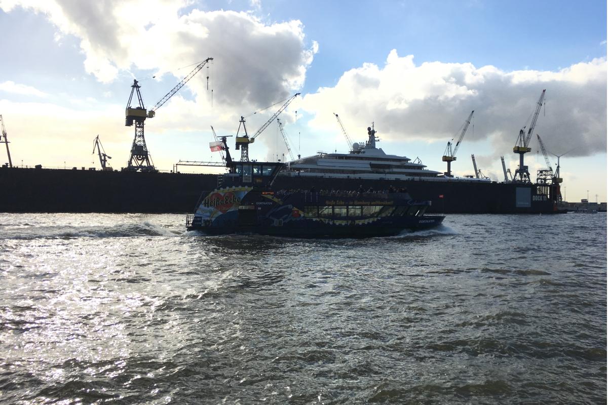 HADAG Fähre Hafen
