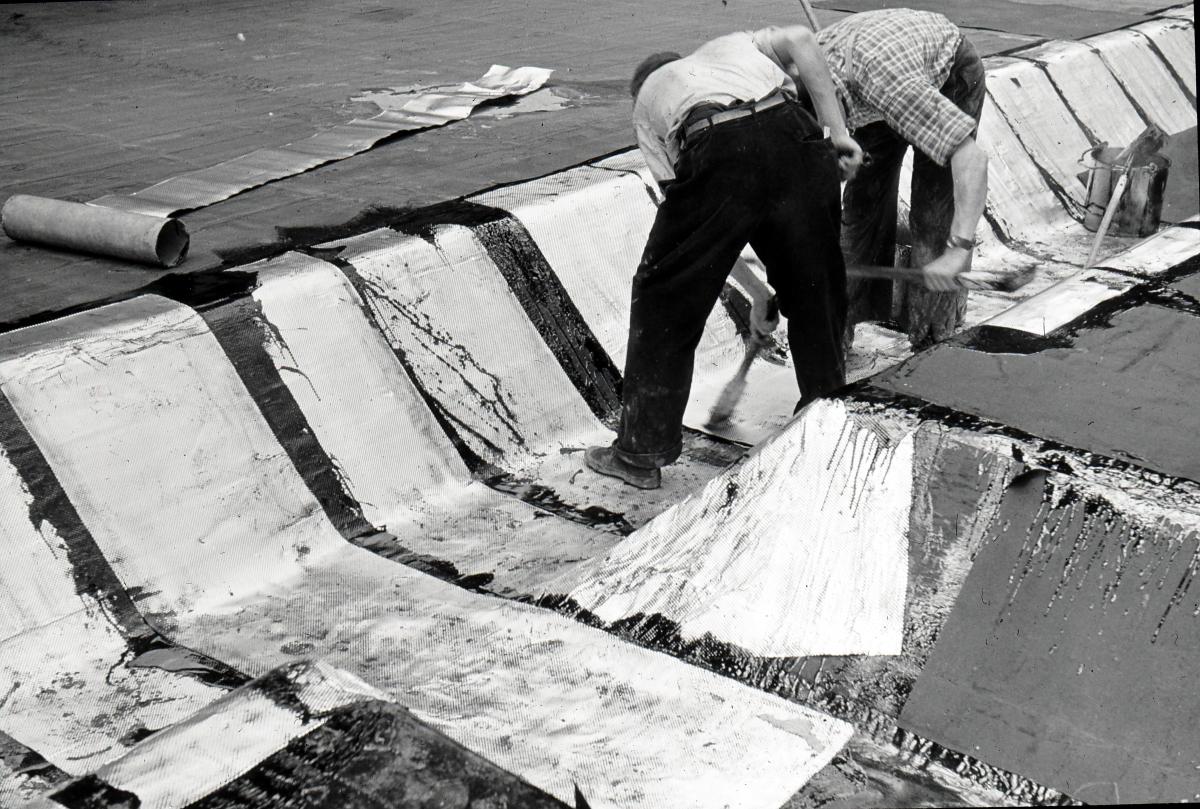 Arbeiten an der Isolation der Tunneldecke, Höhe Große Allee, um 1956