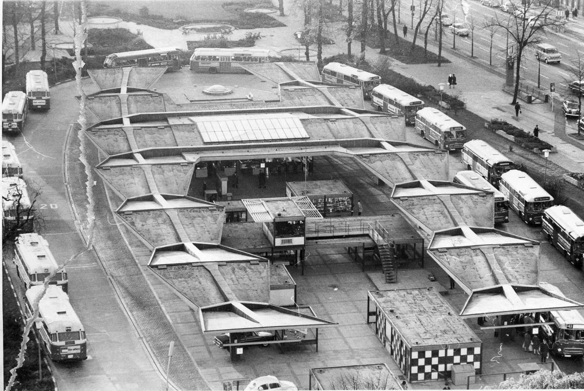 Luftbild der Busumsteigeanlage Wandsbek Markt, 1967