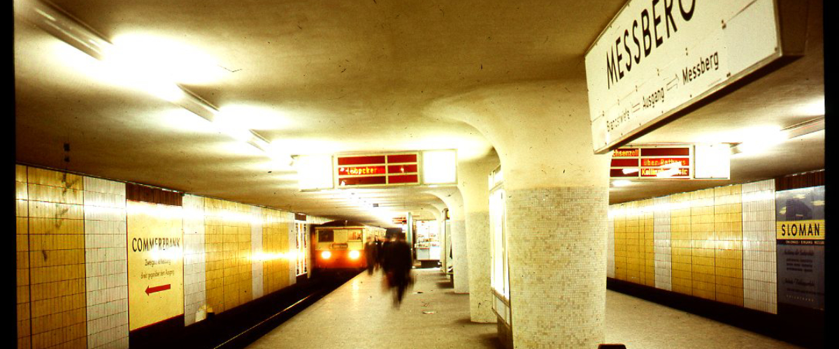 Gelb, funktional, modern. Die Haltestelle Meßberg wird 60