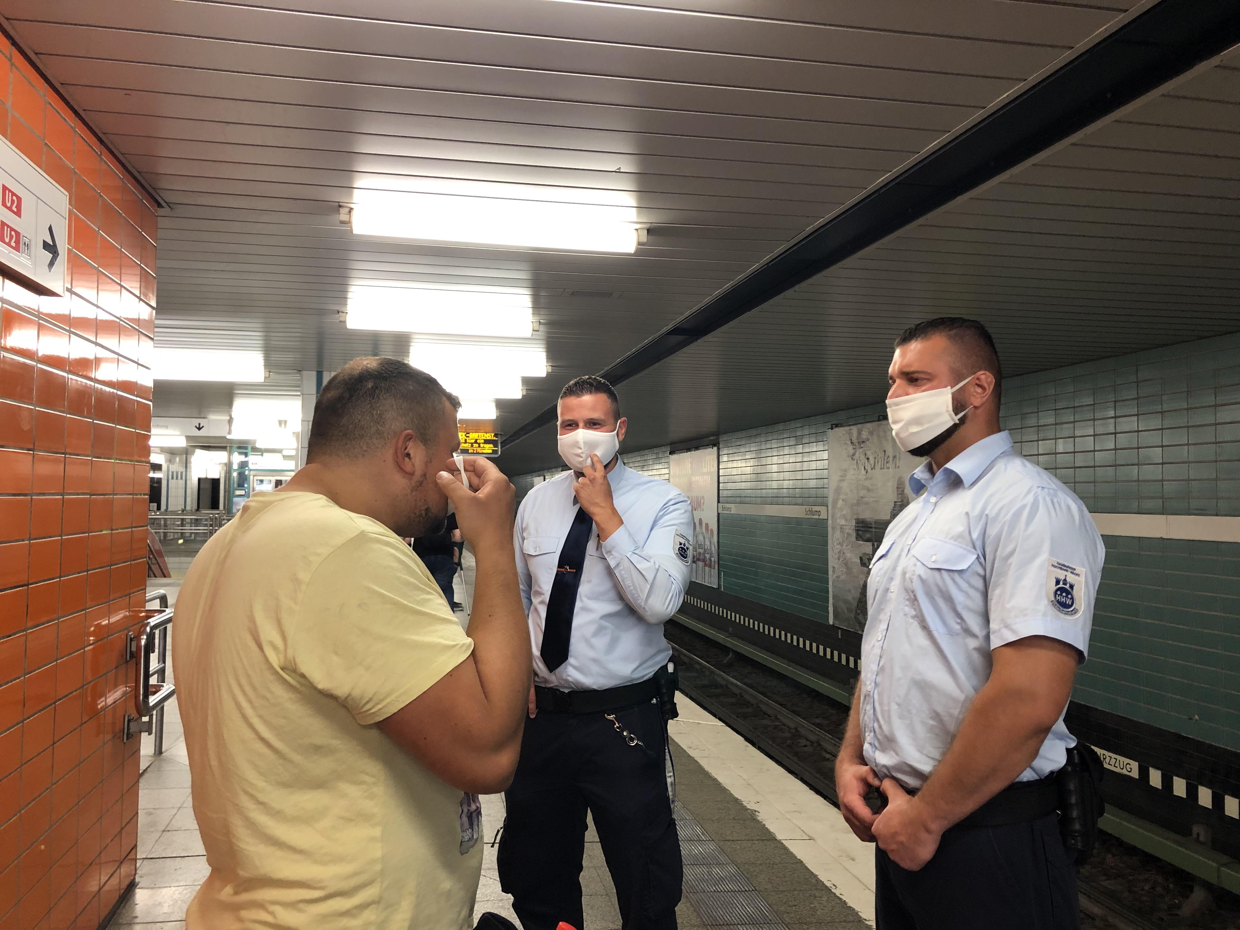 Wieso greift die HOCHBAHN-Wache zur Einhaltung der Maskenpflicht nicht stärker durch?