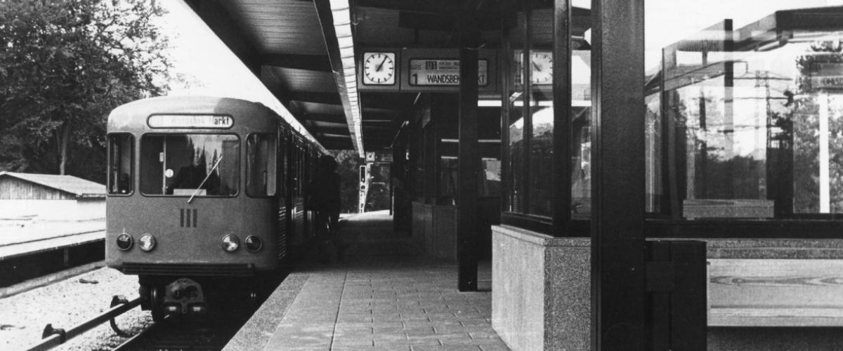 Dreifacher Geburtstag bei der Hamburger U-Bahn
