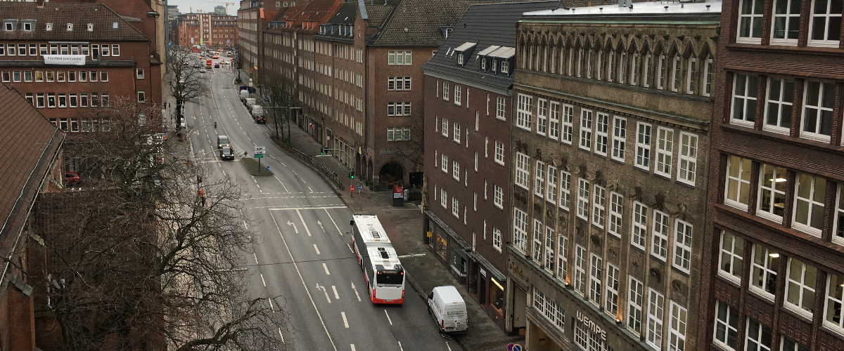 Busse über Steinstraße statt Mö – und das klappt?!