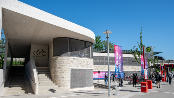 Fahrradparkhaus Kellinghusenstraße