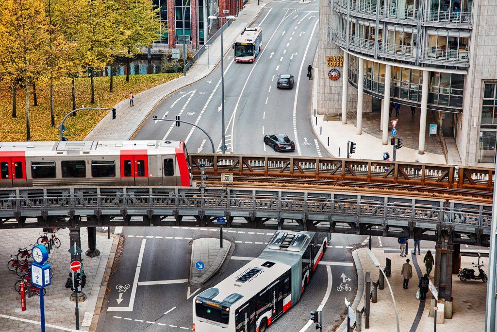 Rekordinvestitionen: Bus und Bahn in Hamburg